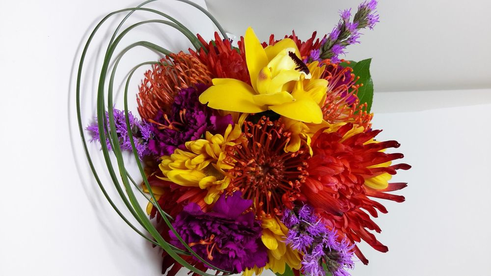 Young Floral Company: 215 Pennsylvania Ave S, Charleston, WV