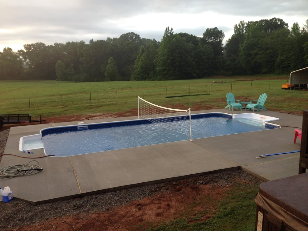 16 x 32 sport pool center is deep end at 6 39 with 8 for Sport pools pictures