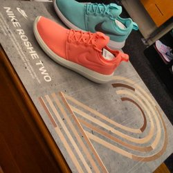 35d82445e07ad The Finish Line - 22 Reviews - Shoe Stores - 1151 Galleria Blvd ...