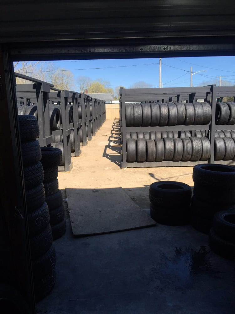 Rayda Tires: 1565 Montauk Hwy, Bellport, NY