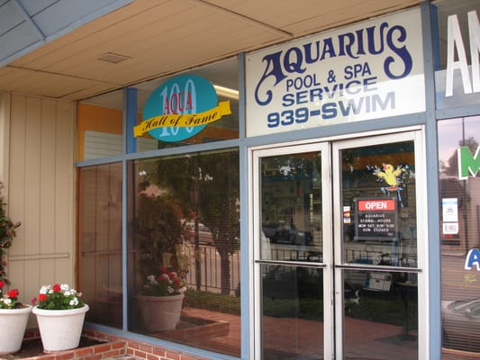 Aquarius pool spa service 13 beitr ge pool for 13 salon walnut creek