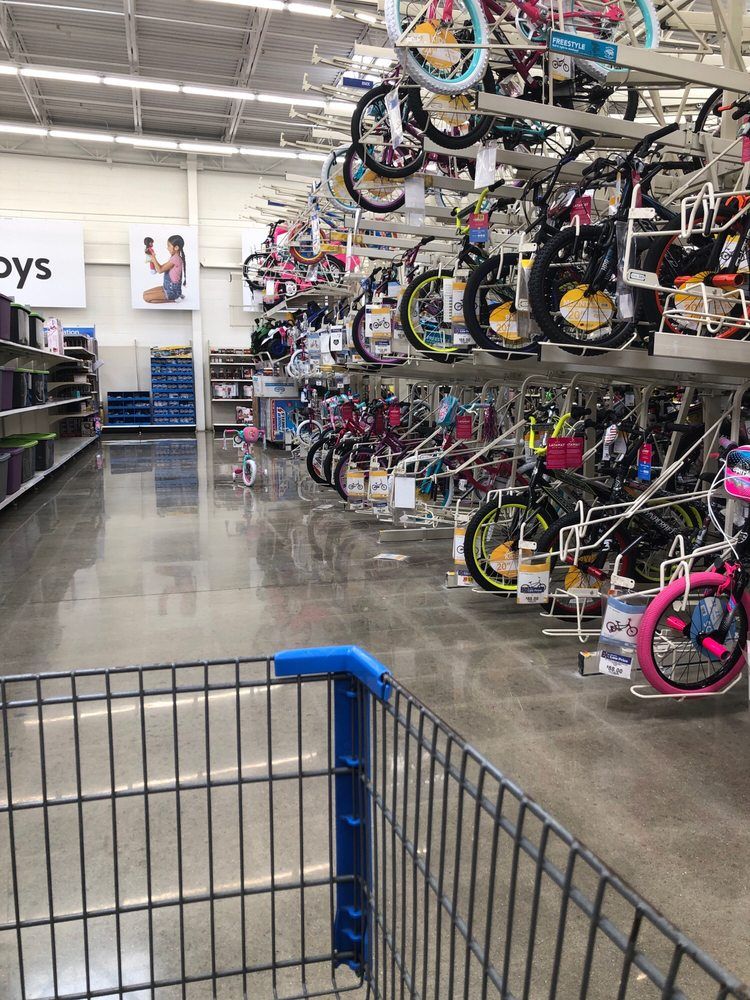 Walmart Supercenter: 410 Grand Valley Blvd, Martinsville, IN