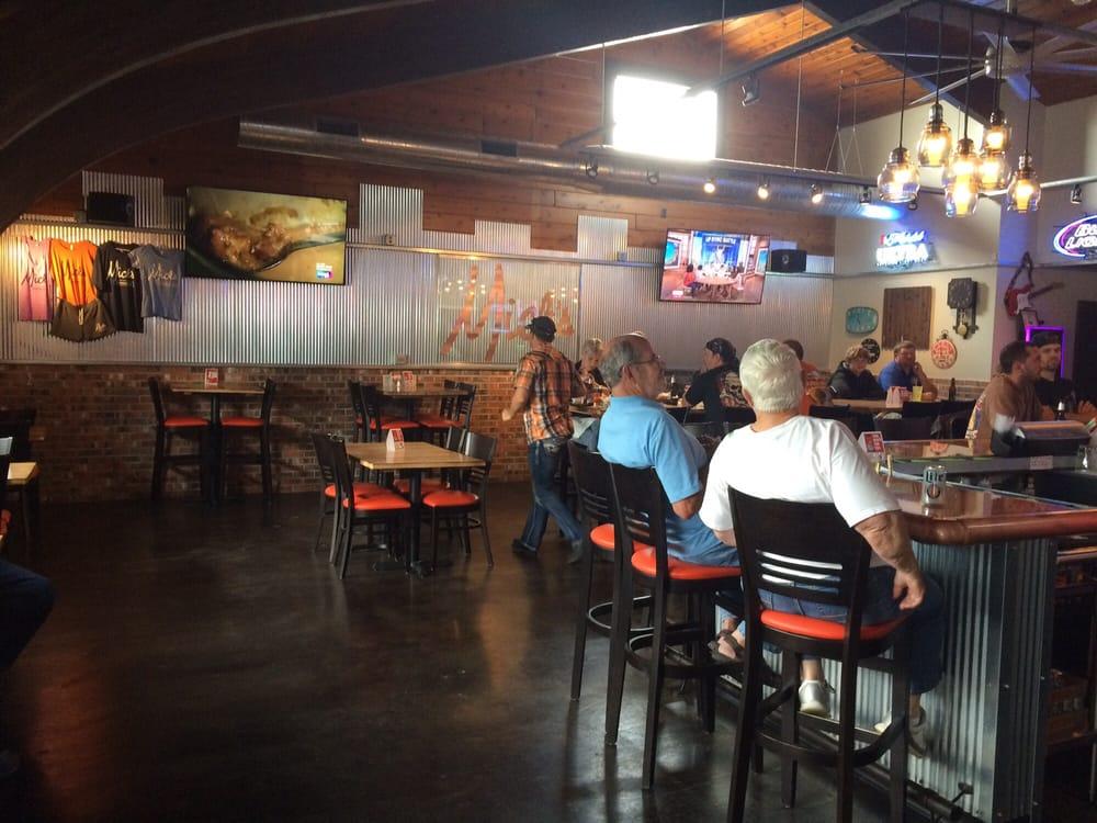 Mick's Bar: 101 S East St, Annawan, IL