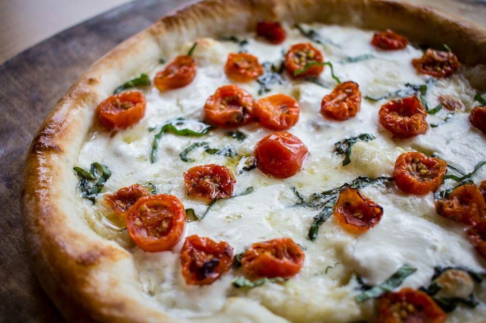 Dewey's Pizza