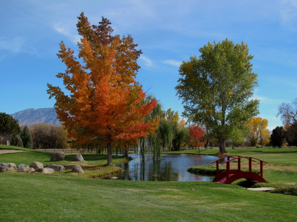 Bishop Country Club: 1200 US Hwy 395, Bishop, CA