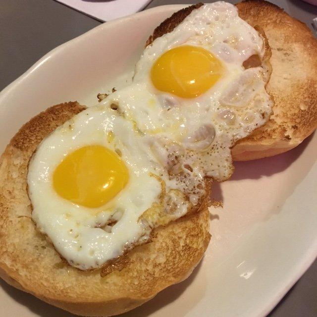 Mnk Cross Town Diner: 2880 Bruckner Blvd, Bronx, NY