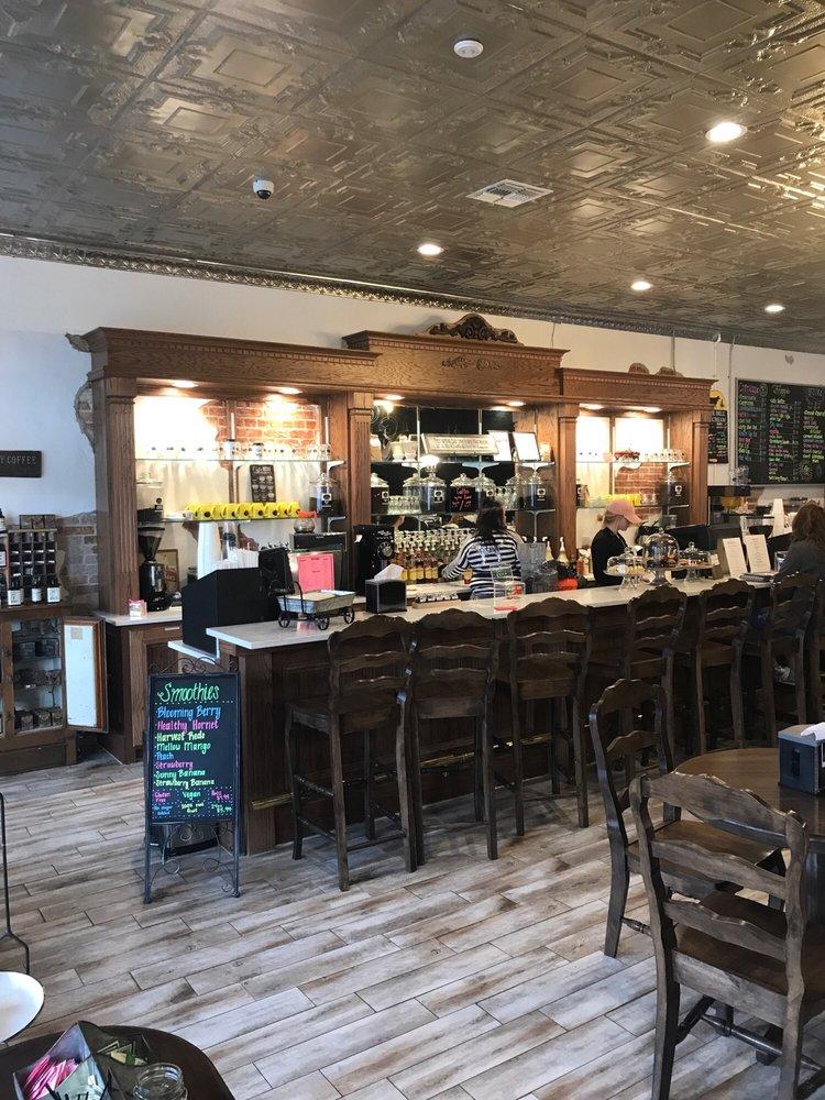 Sabean's Coffee & Creamery: 105 N Oak St, Hemphill, TX
