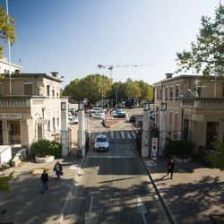 Hopital Edouard Herriot Hopital 5 Place D Arsonval Grange