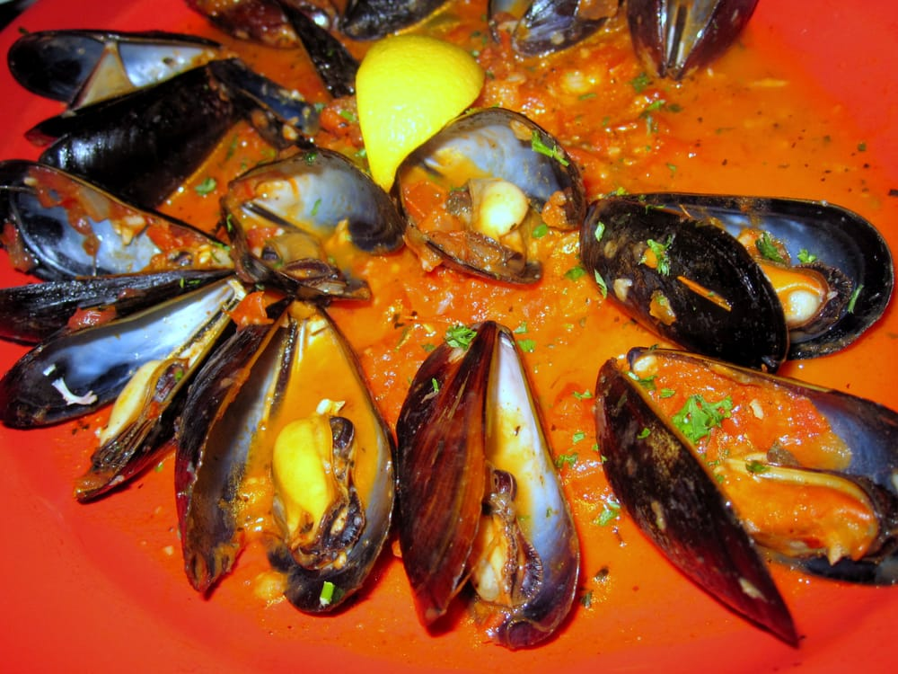 ... Mussels with Mexico mix, red pepper, tequila, white wine, tomato sauce