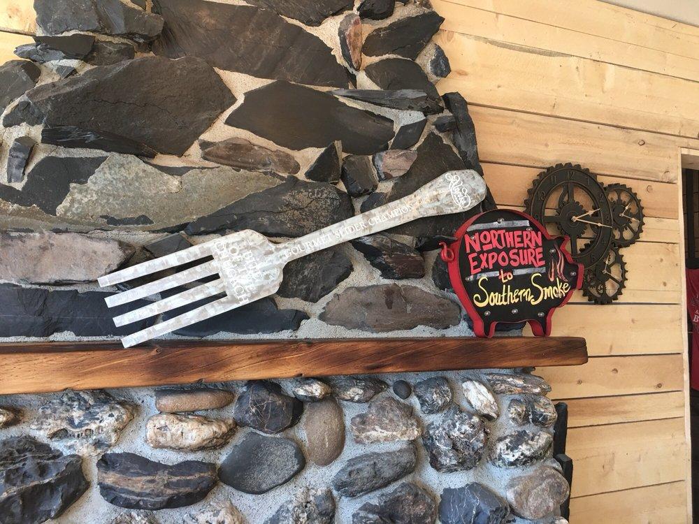 Turnagain Arm Pit BBQ: 27957 Seward Hwy, Indian, AK