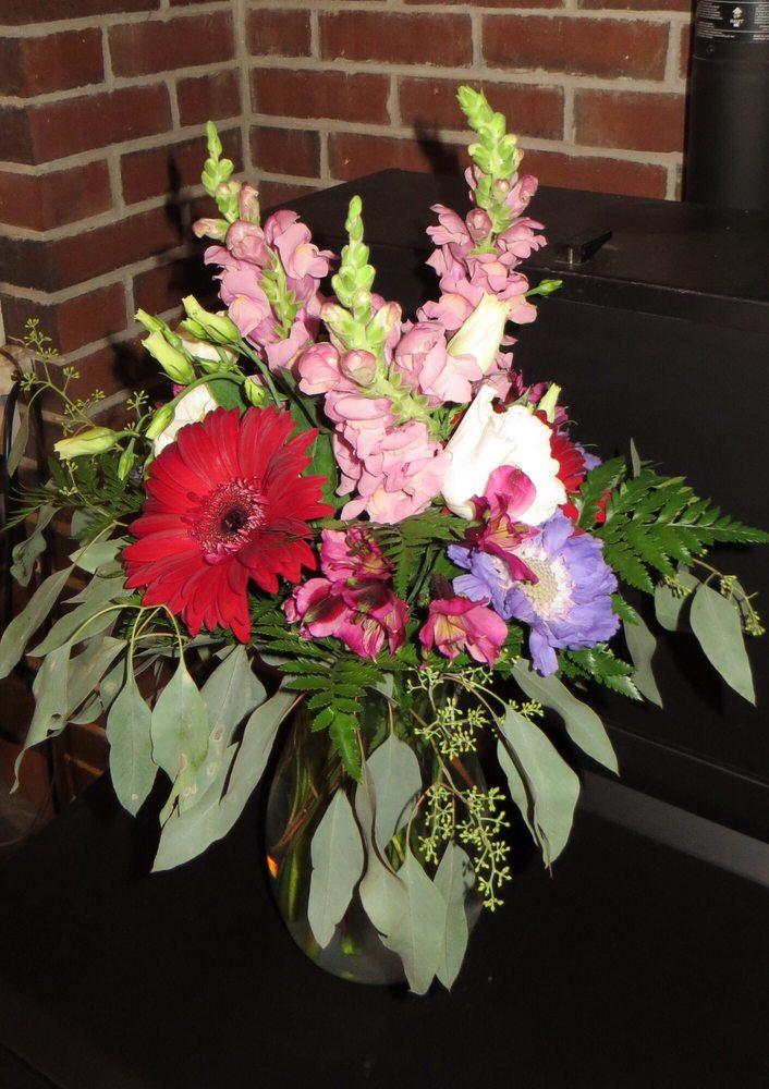Pauline's Bloomers: 153 Park Row, Brunswick, ME