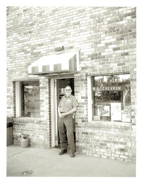 Herb's Chevron: 220 W Ferry St, Sedro Woolley, WA