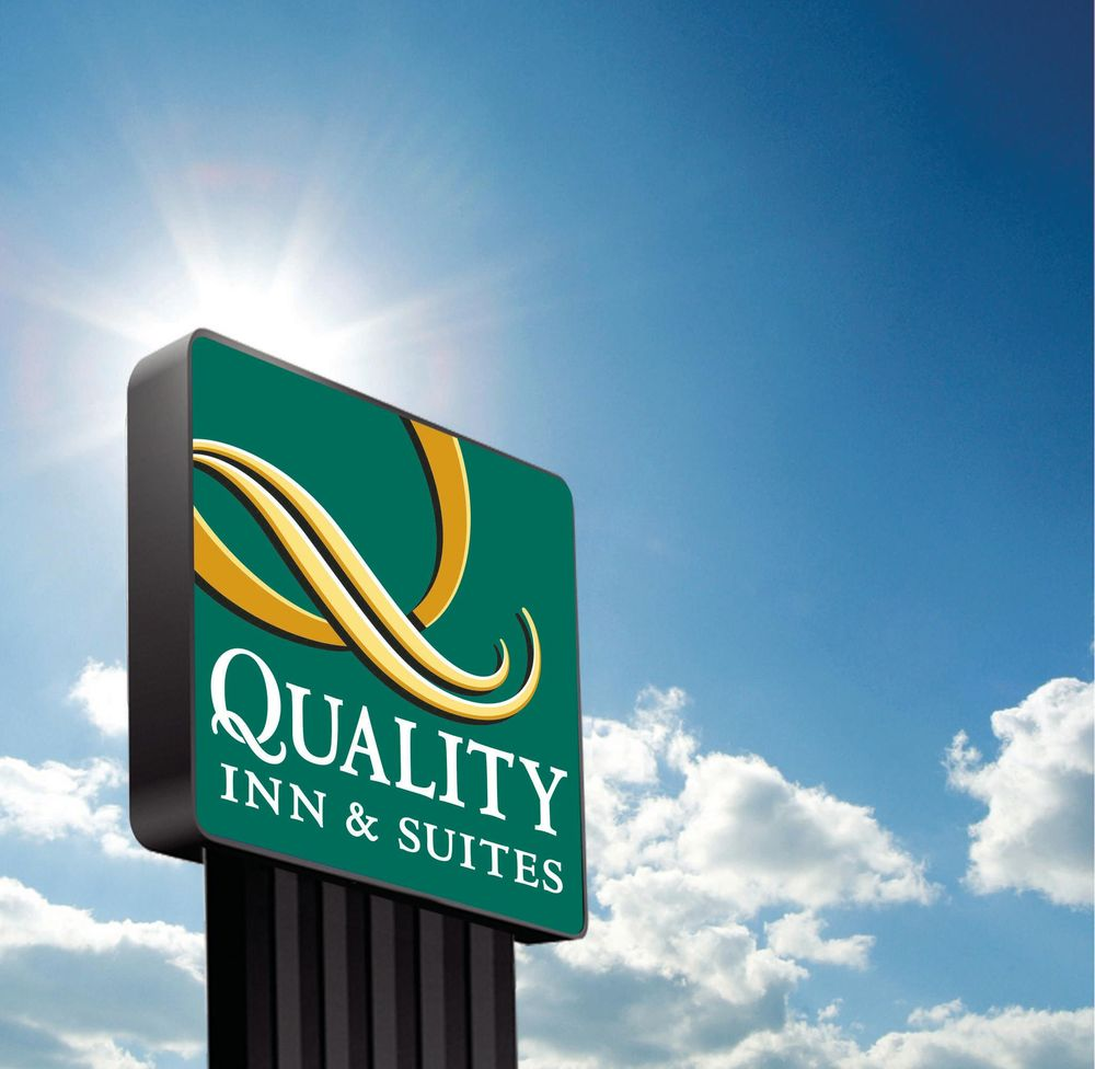 Quality Inn & Suites: 1105 Sawmill Rd, Laurel, MS