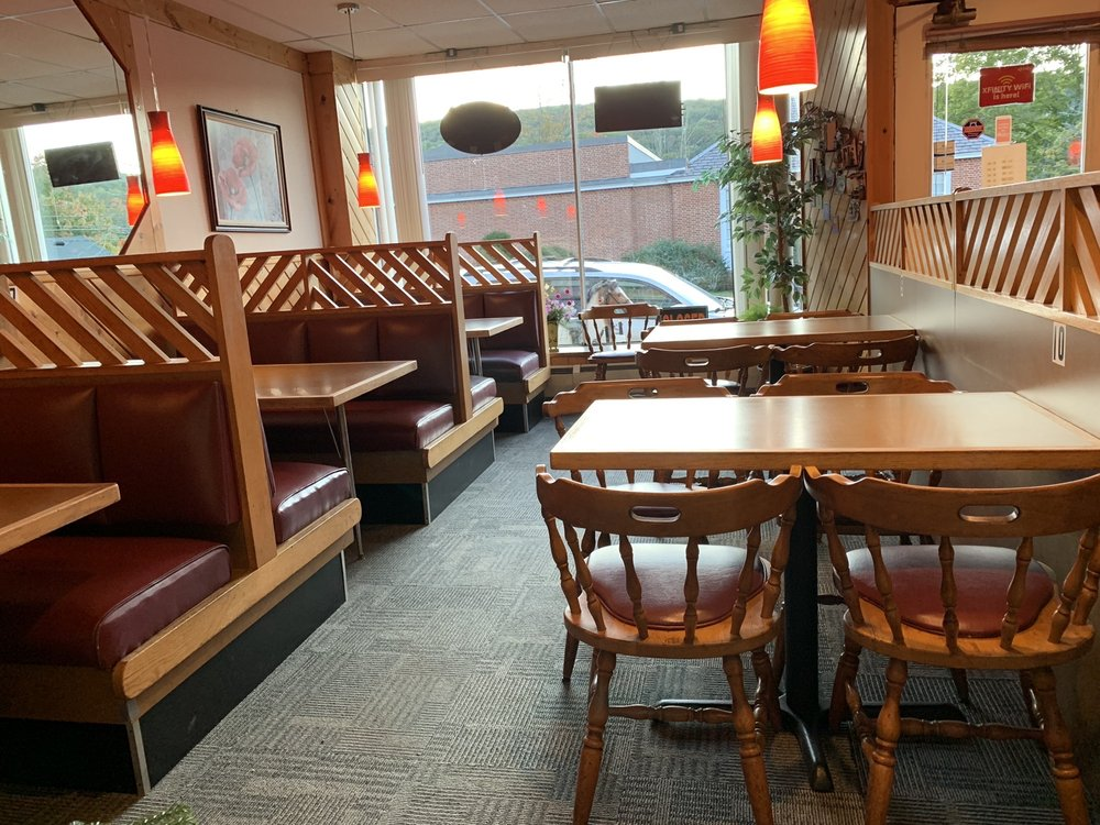 ABC Pizza: 9 River St, Collinsville, CT