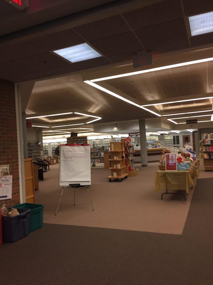Bellingham Library: 100 Blackstone St, Bellingham, MA