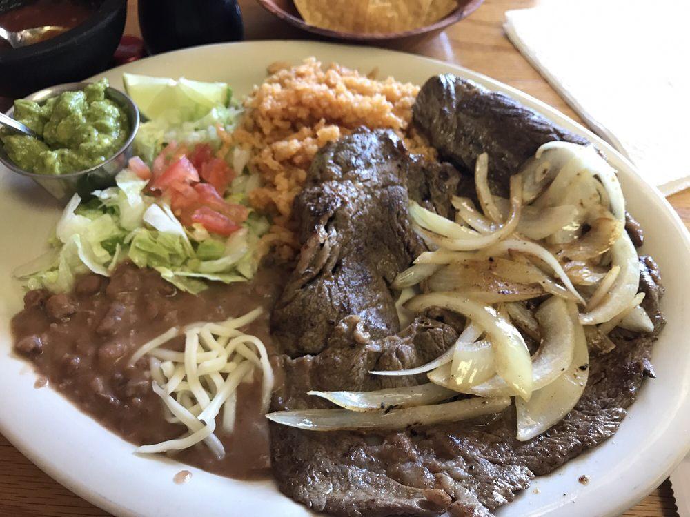 El Paisano Restaurant: 525 Highway 39, Denison, IA