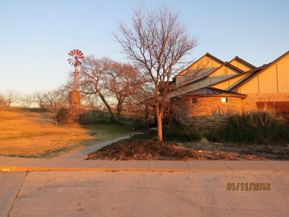 Town & Country Animal Hospital: 3248 Elm Bottom Cir, Aubrey, TX
