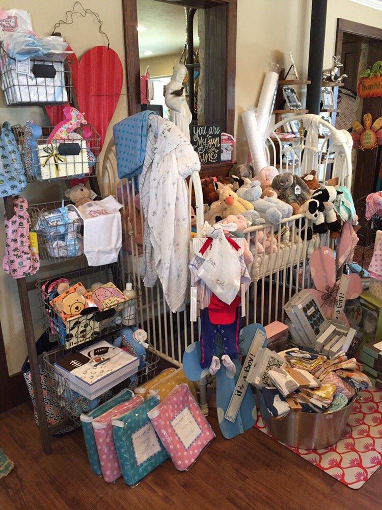 The Creek Boutique: 3272 Junction Hwy, Ingram, TX