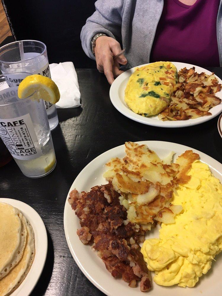 Nikki's Cafe: 126 E Ferry St, Berrien Springs, MI