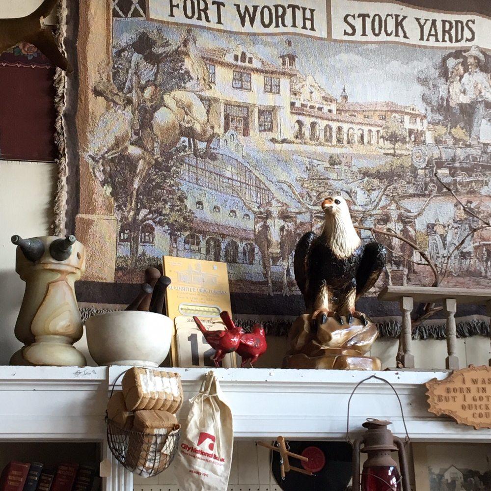 Nostalgia Antiques: 200 N Mason St, Bowie, TX