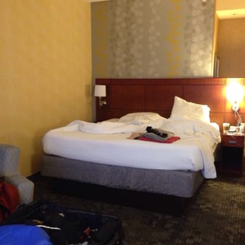 Courtyard By Marriott 18 Reviews Hotels 161 13th Ave