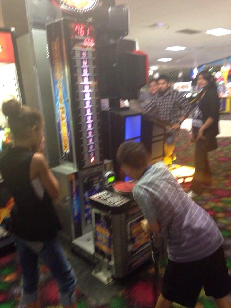 Amazing Jake S Food Amp Fun 14 Photos Arcades 831 N