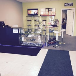 E-Z Vape Stores - Outlet Stores - 312 Commissioners Road W, London