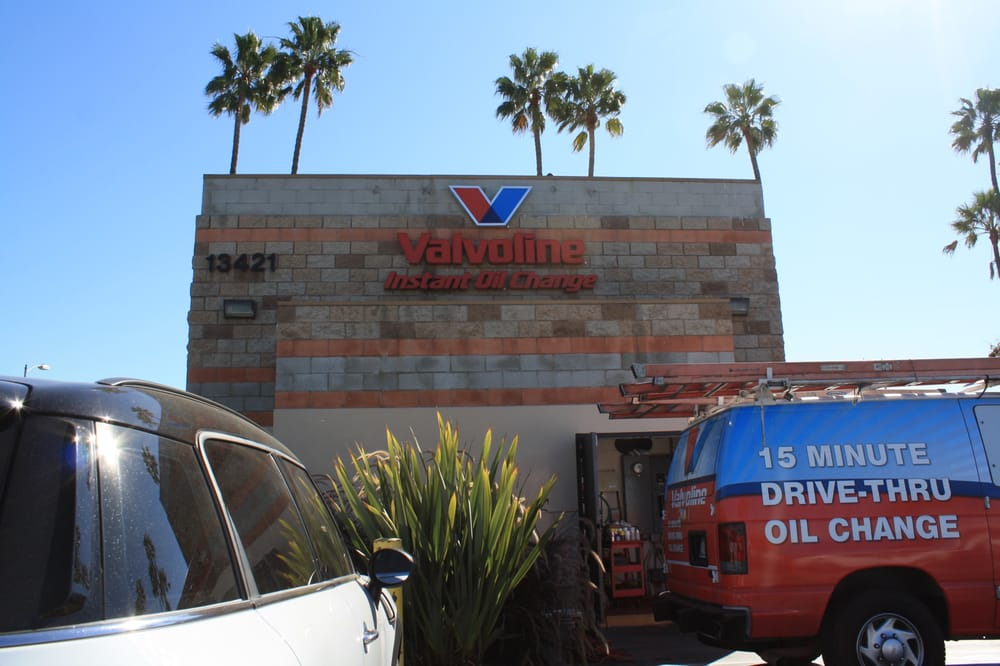Valvoline Instant Oil Change: 13421 Washington Blvd, Marina Del Ray, CA