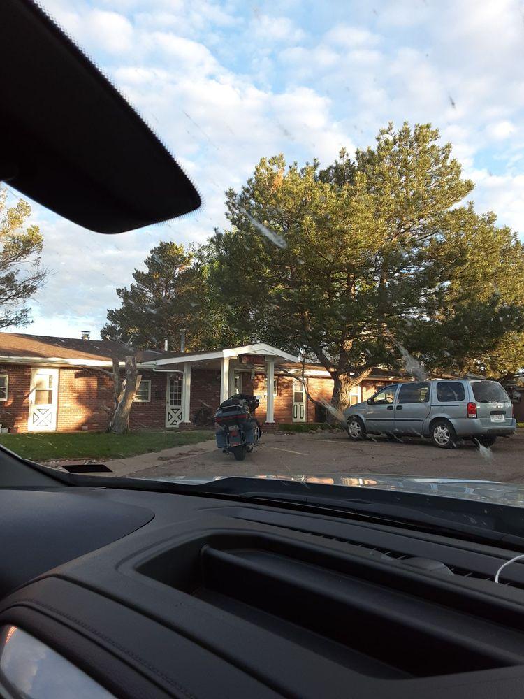 Little England Motel & Rv Park: 244 E High St, Flagler, CO