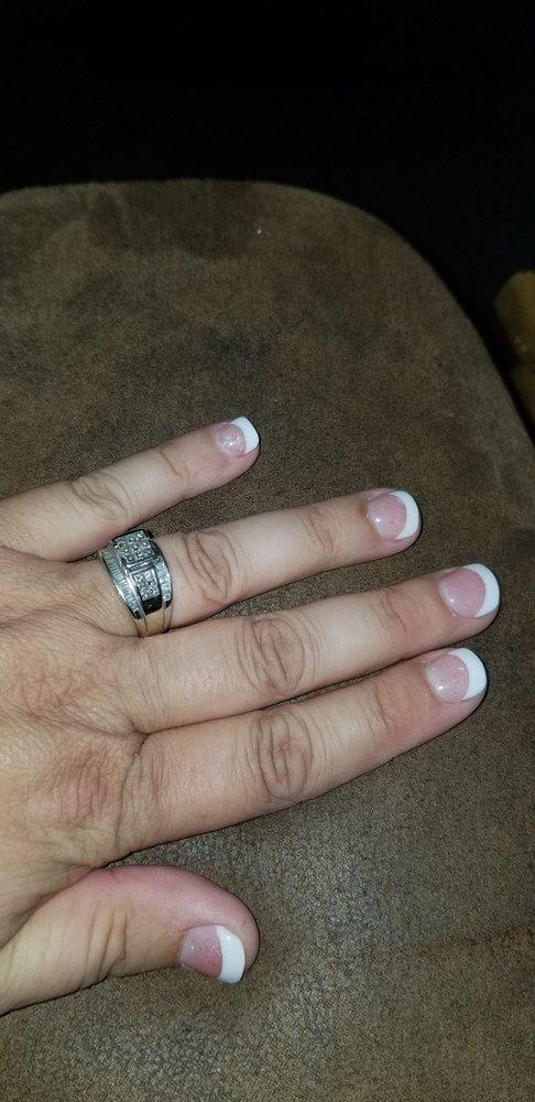 Happy Nails: 220 Sabine St, Hemphill, TX