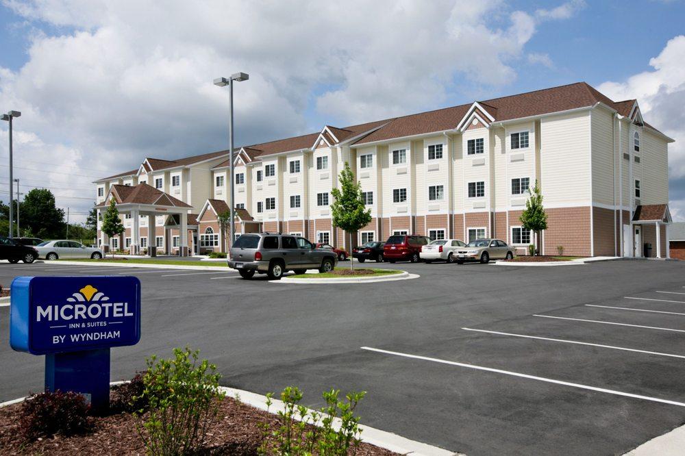 Microtel Inn & Suites by Wyndham Greenville/University Med: 450 Moye Boulevard, Greenville, NC