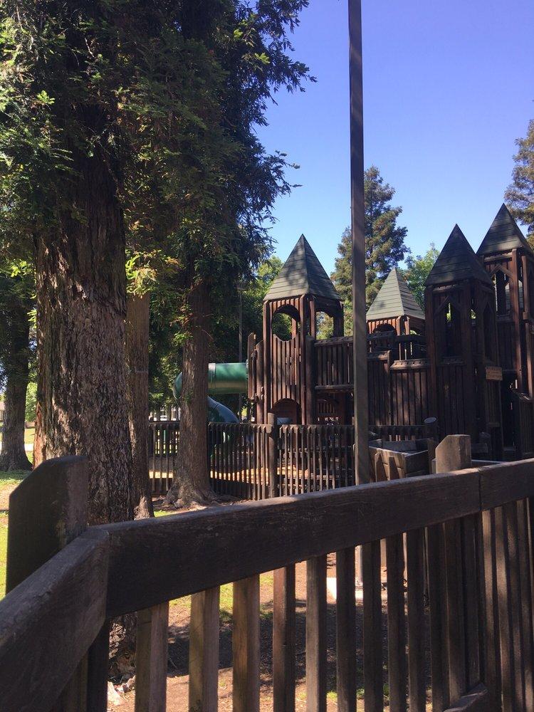 Donnelly Park: 600 Pedras Rd, Turlock, CA