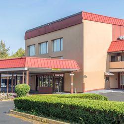 Photo Of Econo Lodge West Haven Ct United States