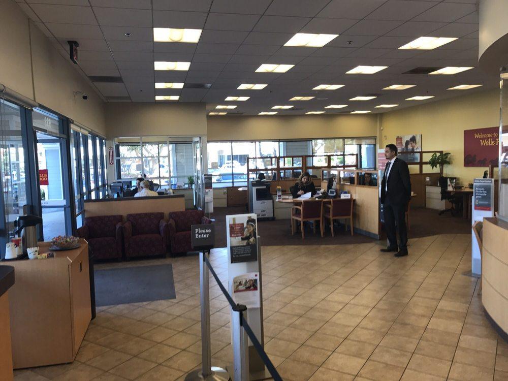 Wells Fargo Bank: 533 W Channel Islands Blvd, Port Hueneme, CA