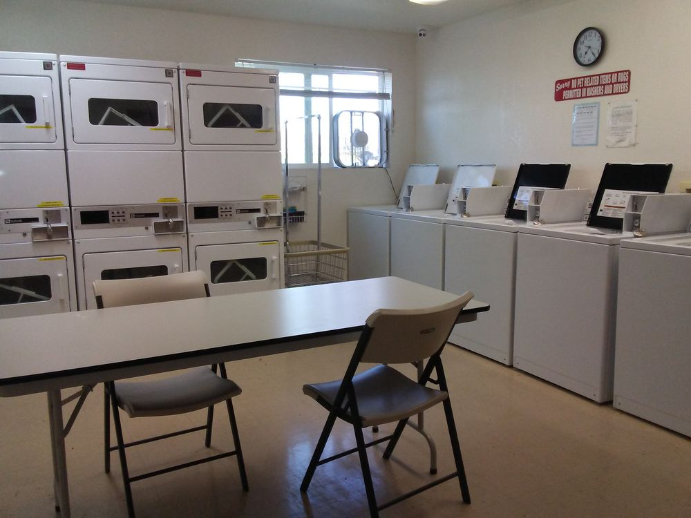 Tradewinds RV Park: 152 S Emery Park Rd, Golden Valley, AZ