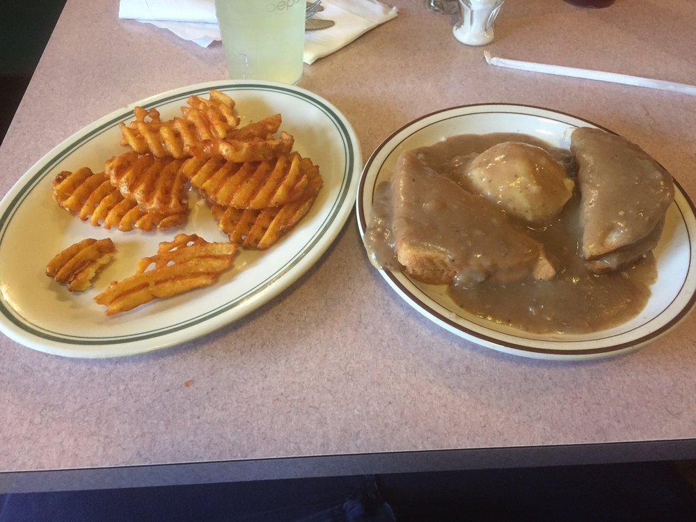 P & H Family Restaurant: 206 Kimball Ave, Pennsboro, WV