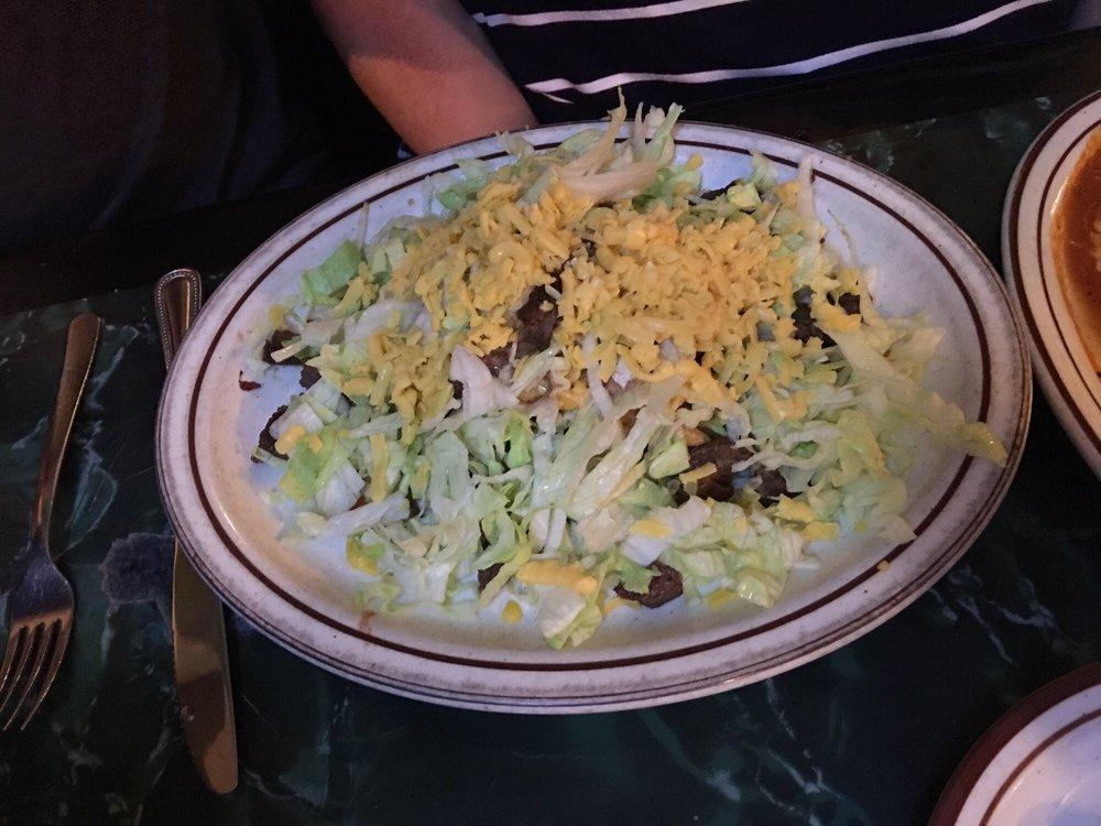 Las Flores Mexican Restaurant: 5903 Commerce St, Wallis, TX