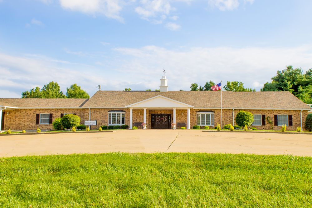 McCoy - Blossom Funeral Homes & Crematory: 1304 Boone St, Troy, MO