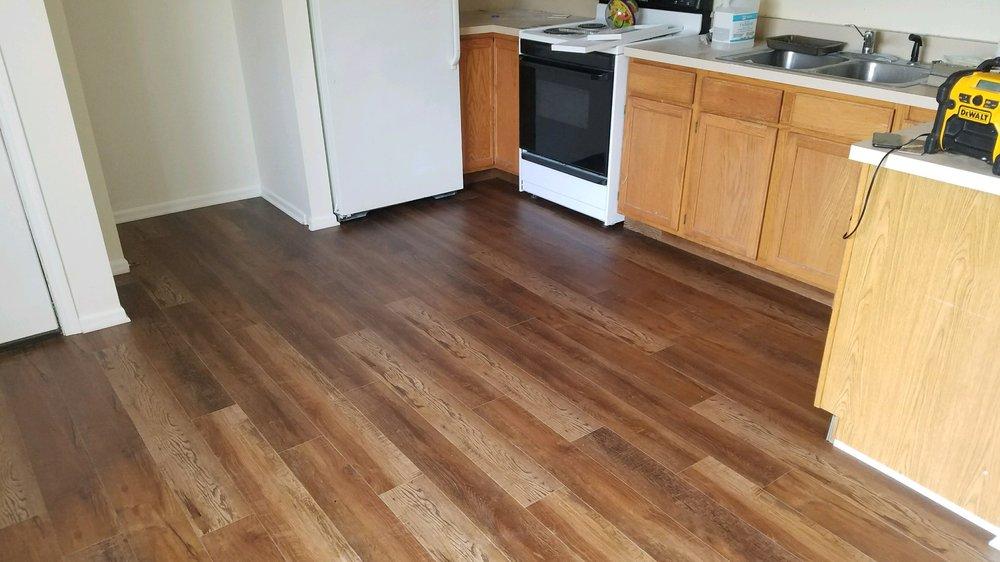 Bodamer Brothers Carpets Plus: 3000 N Garfield Rd, Traverse City, MI