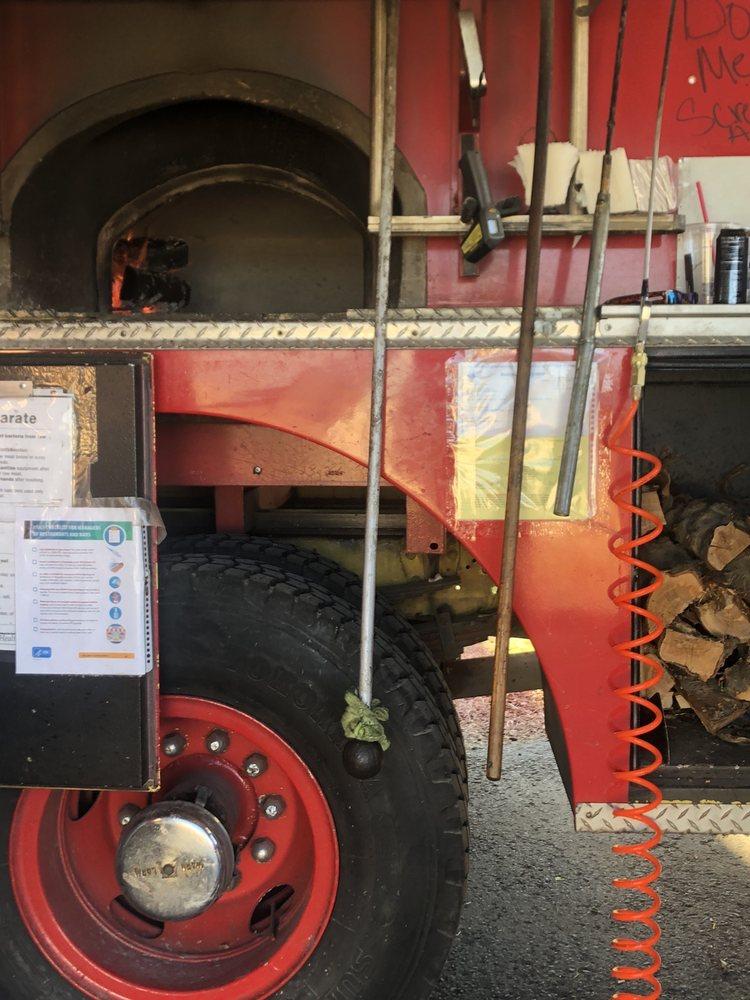 Murray's Fire Engine Pizza: 536 NE C St, College Place, WA
