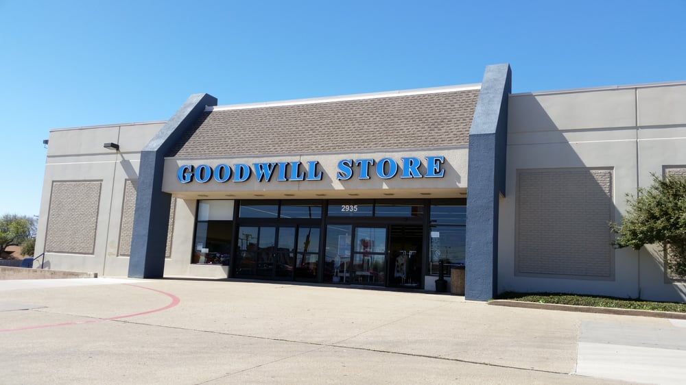 Goodwill industries of dallas vintage second hand for Furniture stores in irving tx