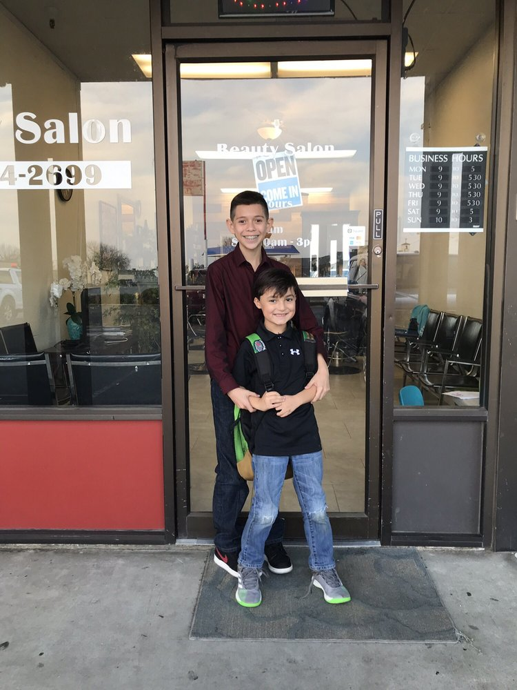 Triny's Beauty Salon: 311 N Main St, Livingston, CA
