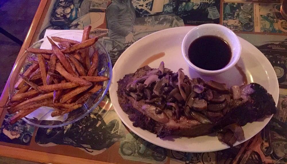 8th Street Restaurant & Saloon: 331 N 8th St, Medford, WI
