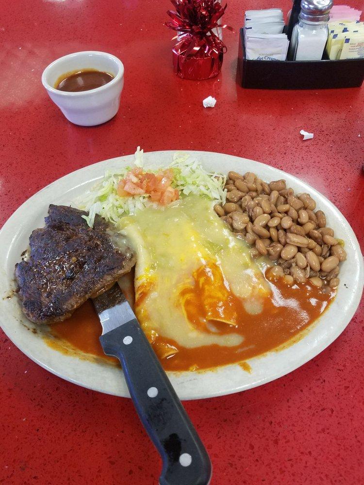 Russell's Travel Center Restaurant: I-25, Springer, NM