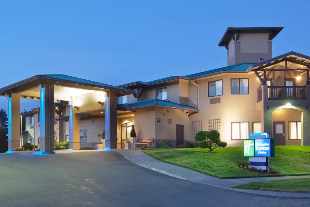 Holiday Inn Express & Suites Arcata/Eureka-Airport Area: 3107 Concorde Dr, Mckinleyville, CA