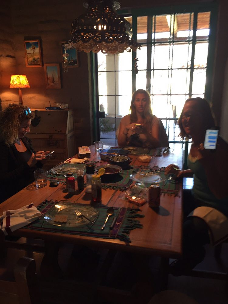 Reveling Ravens Retreat: 3291 W Elephant Head Rd, Amado, AZ