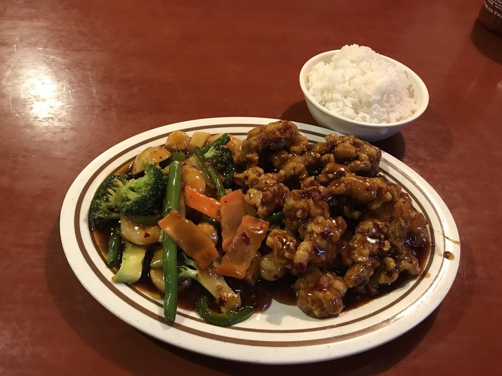 China restaurant: 108 Business Hwy 24 E, Carrollton, MO
