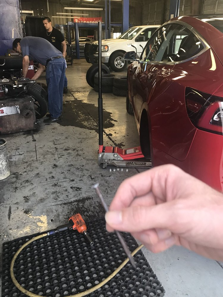 Olmeda's Tire & Auto