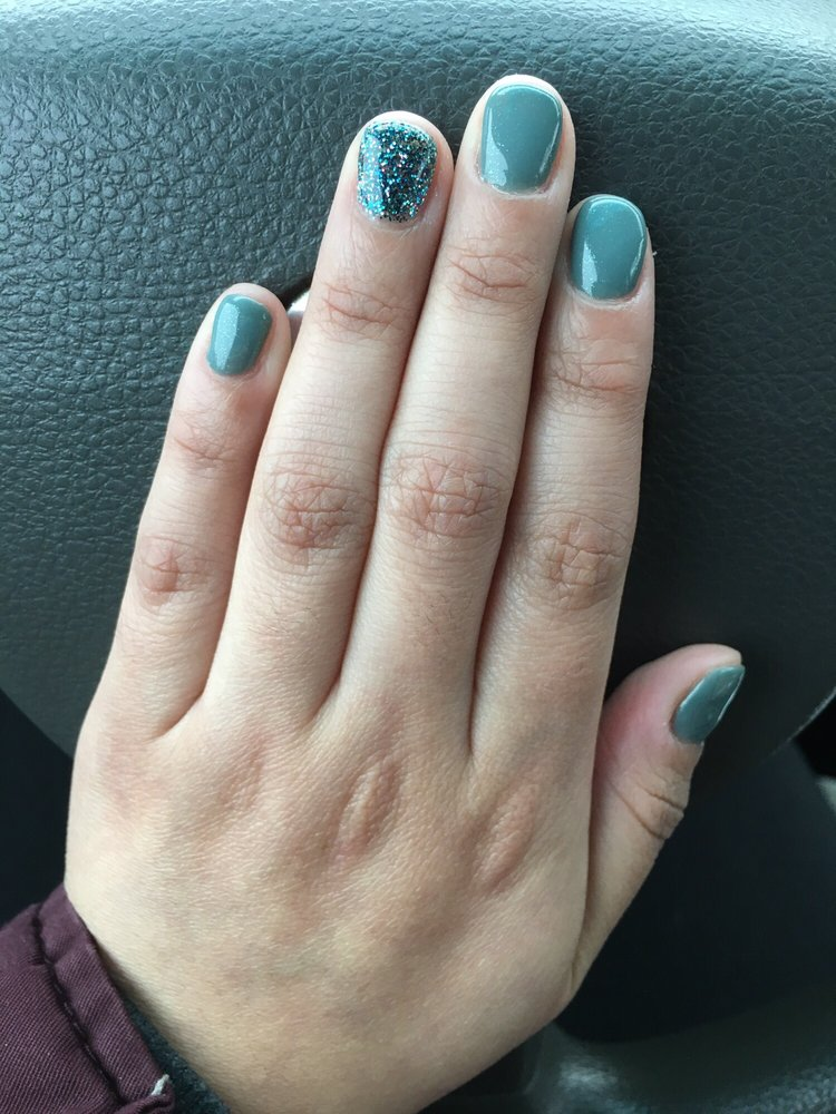 Love this no-chip mani! It\'s perfect and just in time for my work ...