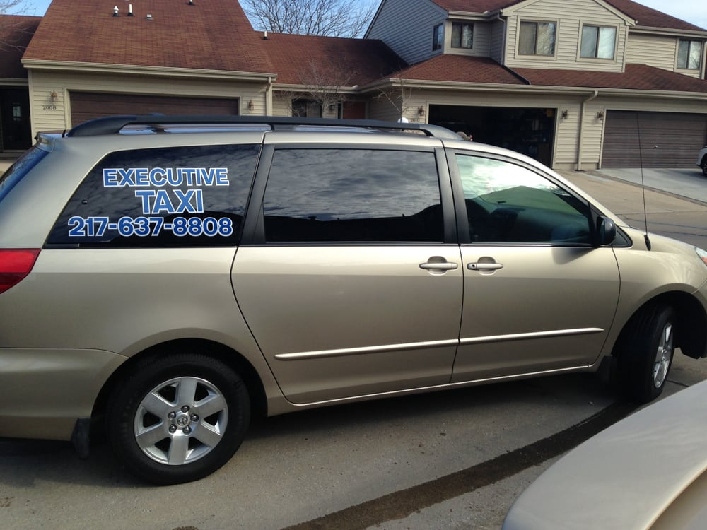 Executive Taxi: 801 N Dunlap, Savoy, IL